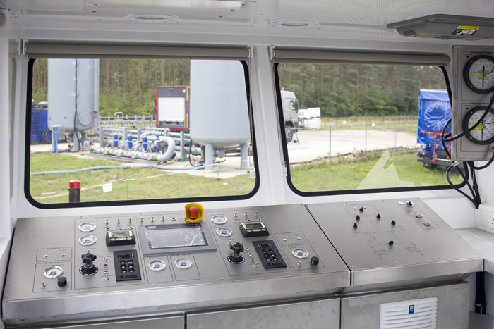 Twin-Pumping-trailer-unit-for-sale-in-Europe_3.jpg